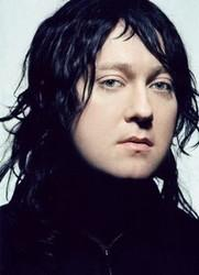 Además de la música de Avril Lavigne, te recomendamos que escuches canciones de Antony and The Johnsons gratis.